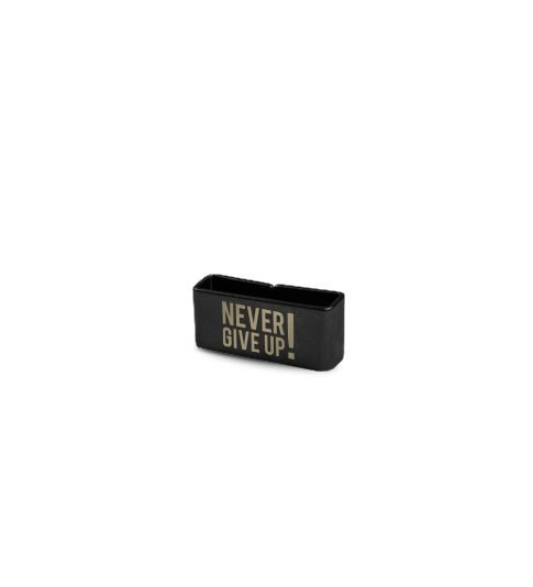 Miniplaca_Black_Never Give Up
